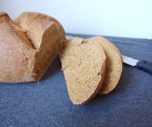 Vegan whole grain beet rye bread, beet bread, vegan rye bread, whole grain rye bread